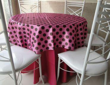 Redonda pink com pink de bolinha marrom